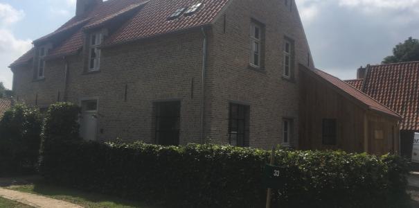 Nieuwbouw woonhuis in kempische stijl te Zetten