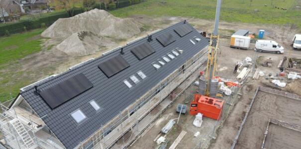 58 zonnepanelen geplaats op 5 woningen in Putten