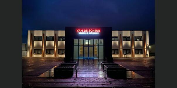 Complete renovatie bedrijfsruimte te Tiel – Van de Scheur Interieurbouw